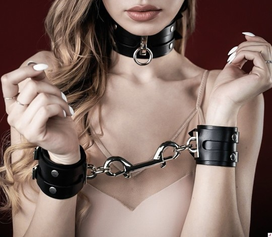 Public discreet submissive day collar for male men womens