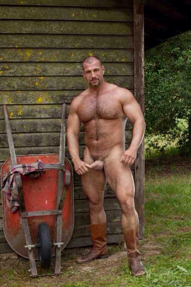 Redneck daddy fucks me raw in wife's house