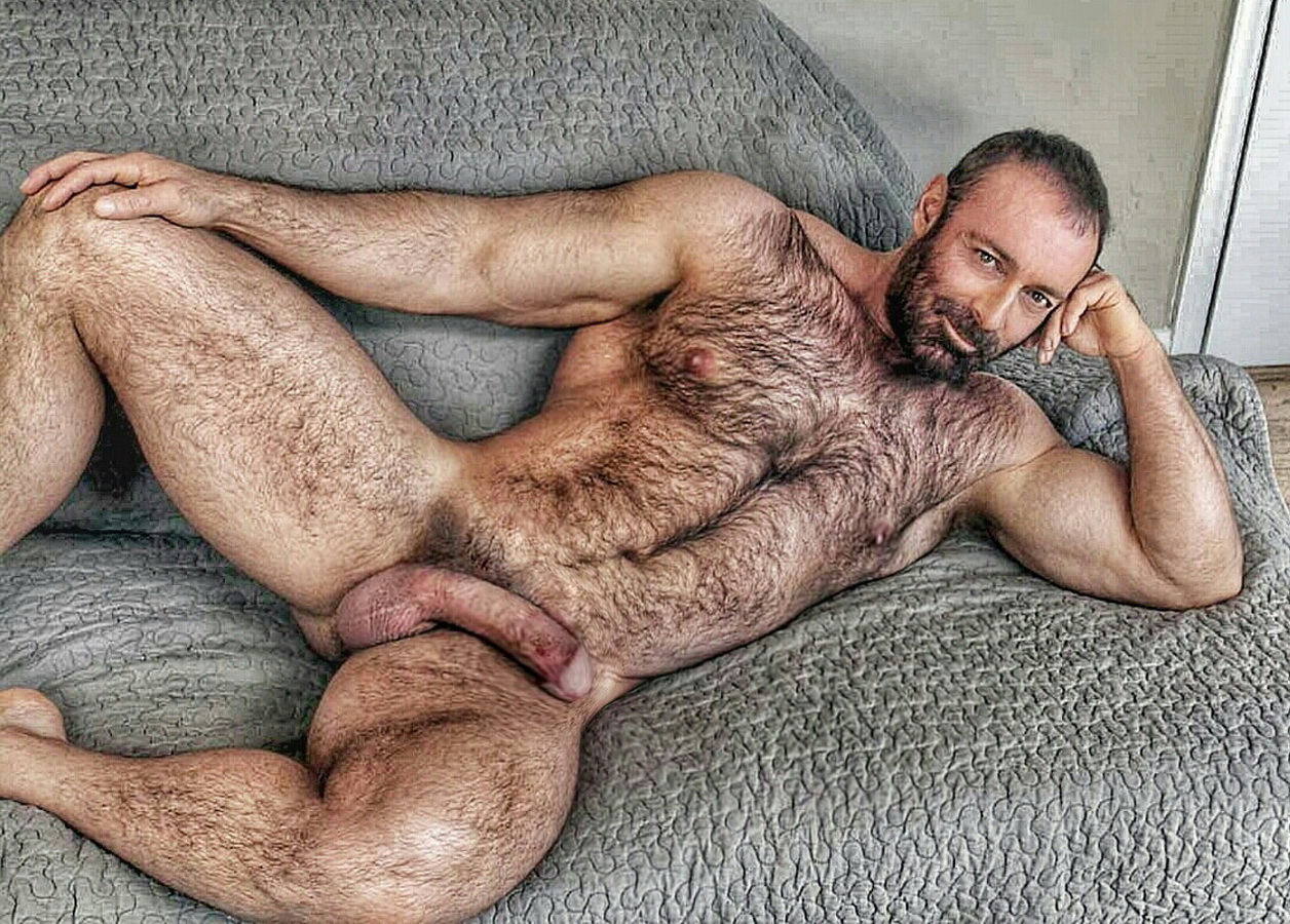 Free pictures of hairy gay men