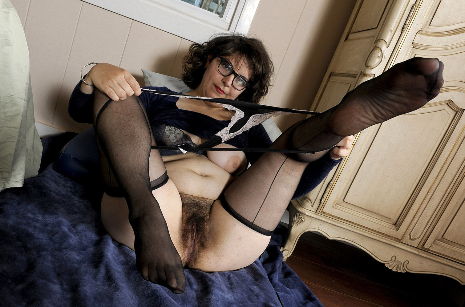 Search french hairy