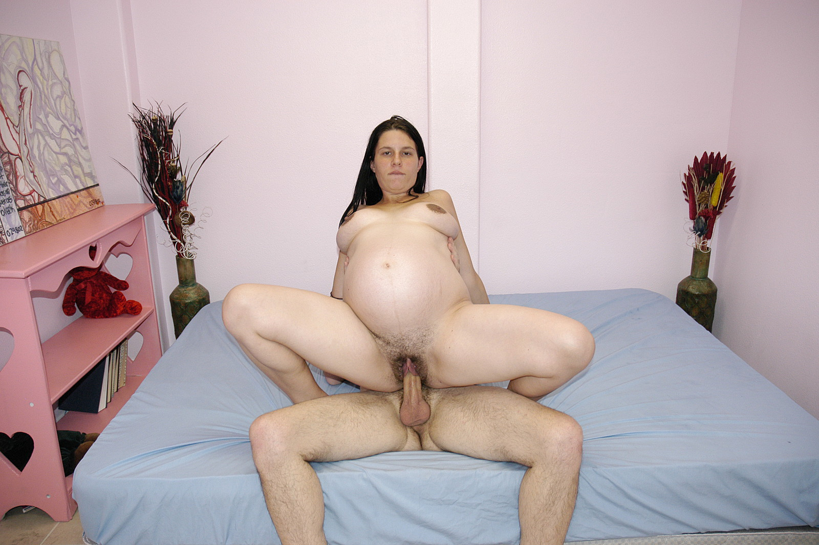 Pregnant girl agrees to fuck for cash