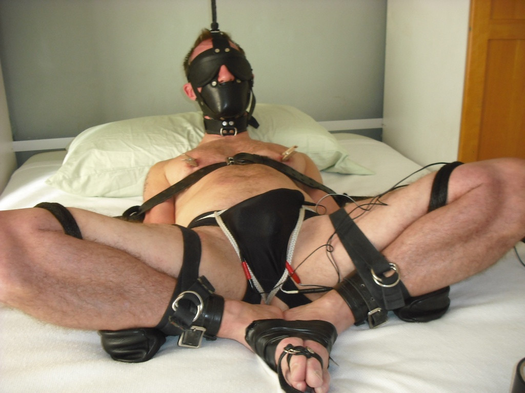 Straight Gay Bondage The Scanty Man Gets His Delicate Arse Smacked